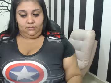 [26-04-20] chandraroberts webcam video with toys