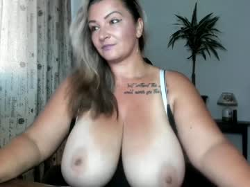 [05-08-20] hot_bounce_boobs webcam record public show from Chaturbate.com
