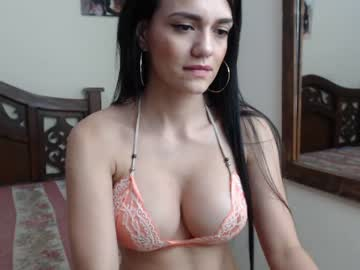 [15-03-20] paulina_l record video with toys