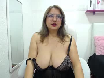 [01-03-21] tifanny_love74 public show video from Chaturbate