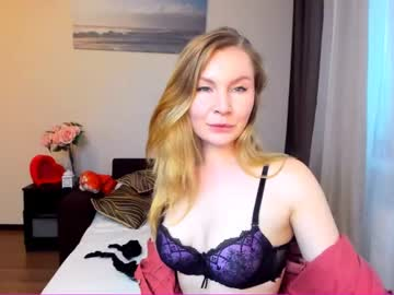 [28-05-20] oliviaflame webcam blowjob video from Chaturbate