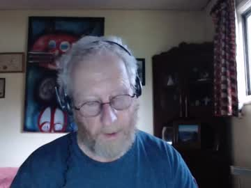 [13-05-21] eldredge18 record video with toys from Chaturbate