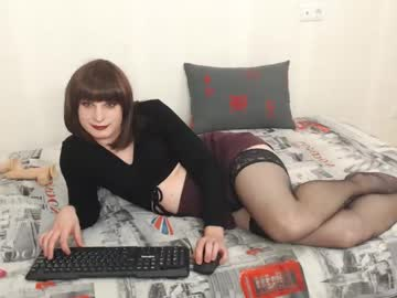 [26-09-20] jessielovelyqueen webcam record blowjob video from Chaturbate